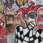 Необычные граффити на Оболони