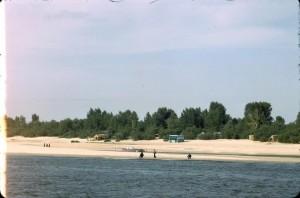 Пляжи левого берега